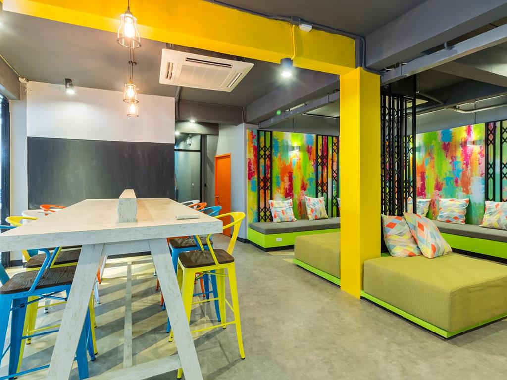 hostels in silom bangkok